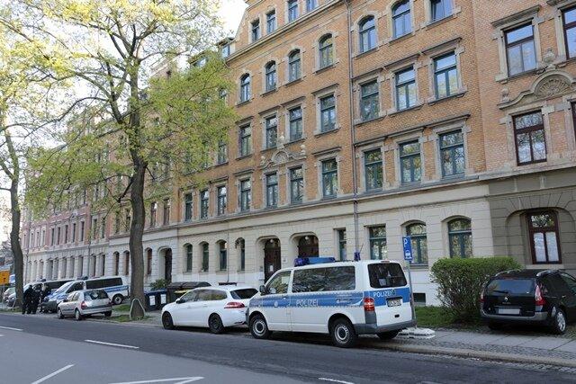 <p>Durchsucht werden nach Angaben der Staatsanwaltschaft Hanau 62 Wohnungen, Büros und Bordelle. Darunter auch in drei Städten in Sachsen.</p>