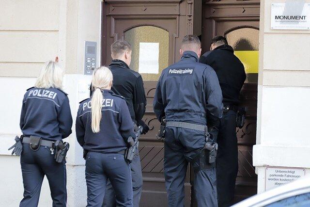 <p>In Chemnitz imEinsatz waren Beamtinnen und Beamte aus dem niedersächsischen Duderstadt.</p>