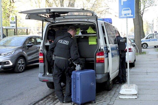 <p>Aus dem Etablissement in der Chemnitzer Margaretenstraße (Foto) wurden vier Frauen mitgenommen.</p>