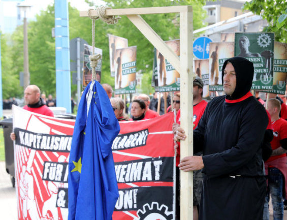 <p>Rechtsextreme Demonstranten in Chemnitz.</p>