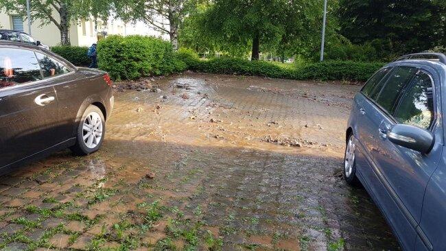 <p>Ein Anwohner schildert, dass es am Morgen kein fließendes Wasser gab.</p>