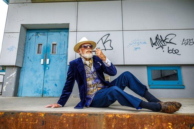 """<p>Reportagefoto/Fotoserie des Jahres: """"Alter ist, was man draus macht"""" von Eric Münch. """"Mann von Welt"""": Helmut Kutschke posiert für das Projekt """"Schönheit im Alter"""".</p>"""