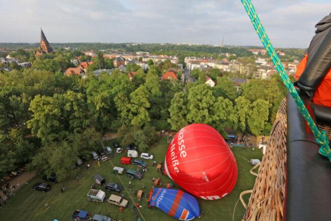 """<p xmlns:php=""""http://php.net/xsl"""">Die Tickets für Ballonfahrten sind ausverkauft.</p>"""
