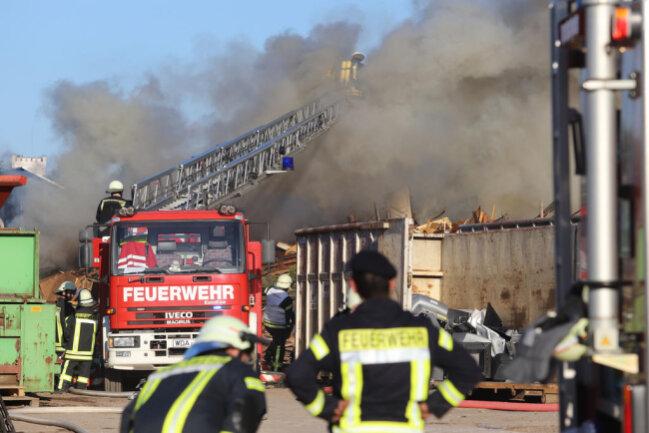 <p>Zudem wurde Atemschutztechnik aus Wilkau-Haßlau angefordert.</p>