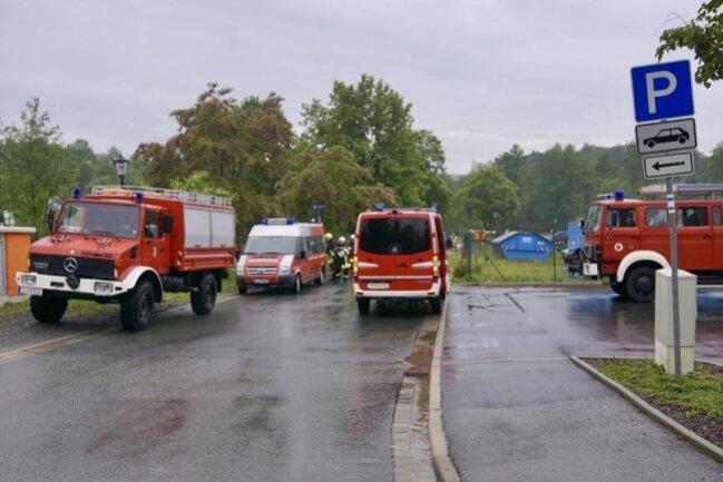 <p>In Oelsnitz flutete das Hochwasser das Stadtbad Elstergarten.</p>
