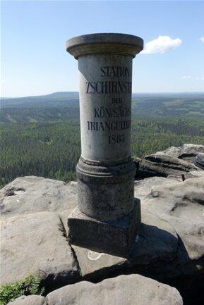 <p>Der Große Zschirnstein ist mit 560 Metern der höchste Berg im deutschen Teil des Elbsandsteingebirges.</p>