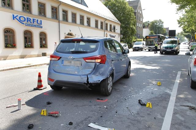 """<p xmlns:php=""""http://php.net/xsl"""">Die 54-jährige Verursacherin hatte 1,5 Promille intus, teilte die Polizei mit.</p>  <p xmlns:php=""""http://php.net/xsl""""></p>"""
