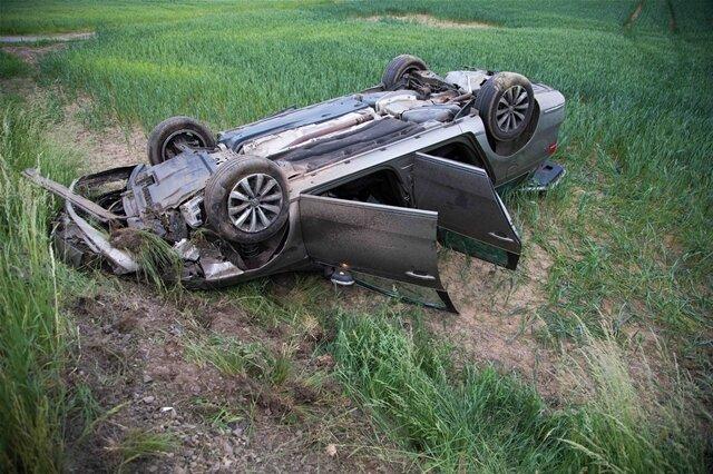 <p>Der VW überschlug sich, beide Fahrer kamen ins Krankenhaus.</p>