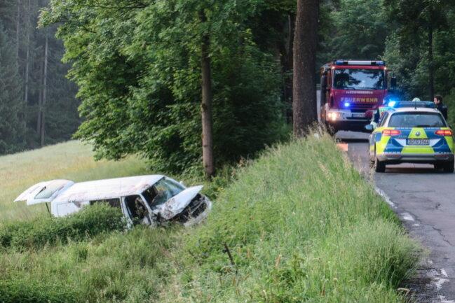 <p>Am Unfallort kam neben Feuerwehr, Rettungsdienst und Polizei auch ein Fährtensuchhund zum Einsatz.</p>