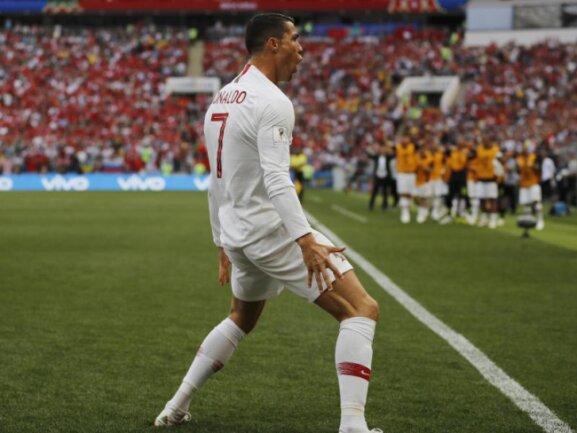 <b>Christiano Ronaldo</b><br/>Portugals Superstar Cristiano Ronaldo trifft bereits zum vierten Mal in diesem Turnier. Foto: Francisco Seco/AP<br/>20.06.2018 (dpa)