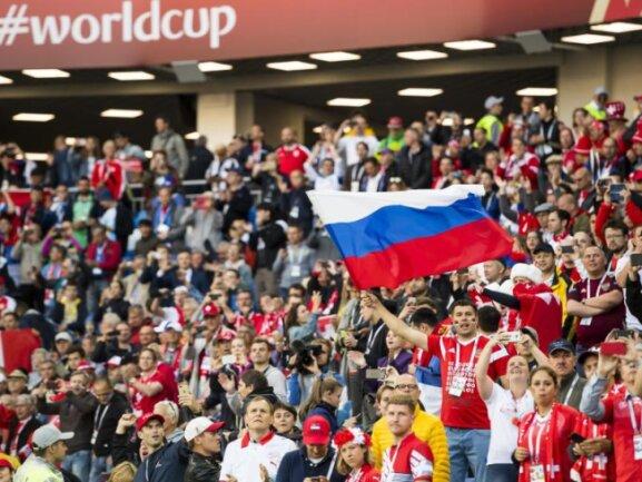 <b>«Heimspiel»</b><br/>Im Spiel gegen die Schweiz in Kaliningrad wurden die Serben auch vom russischen Publikum stark unterstützt, so dass es fast ein Heimspiel wurde, denn die Eidgenossen wurden bei Ballbesitz lautstark ausgepfiffen. Foto: Laurent Gillieron/KEYSTONE<br/>22.06.2018 (dpa)