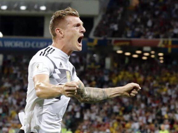 <b>Sieg</b><br/>Toni Kroos feiert seinen Treffer zum 2:1 per Freistoß gegen Schweden in der fünften Minute der Nachspielzeit. Foto:Frank Augstein/AP<br/>23.06.2018 (dpa)