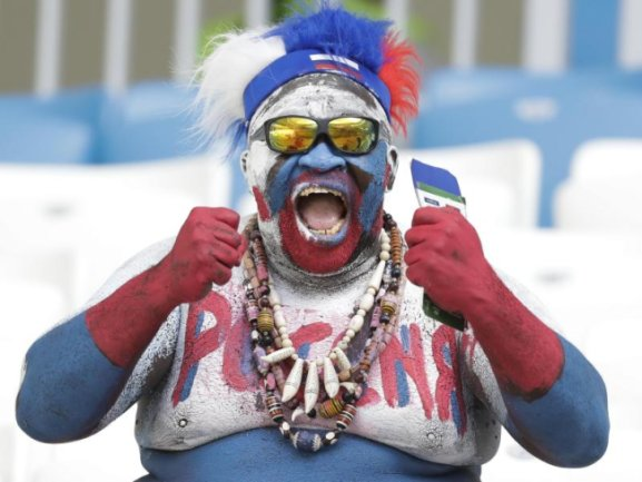 <b>Furchterregend</b><br/>Ein russischer Fan hat sich für das Spiel gegen Uruguay «stadionfein» gemacht. Foto:Andrew Medichini/AP<br/>25.06.2018 (dpa)