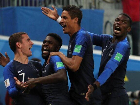 <b>1:0-Sieg</b><br/>Die Franzosen feiern ihren 1:0-Sieg im WM-Halbfinale gegen Belgien. Foto: Christian Charisius<br/>10.07.2018 (dpa)