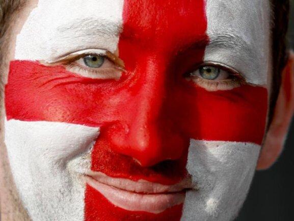 <b>Englisch</b><br/>Ein englischer Fan freute sich in Moskau auf das Halbfinale gegen Kroatien. Foto: Rebecca Blackwell/AP<br/>11.07.2018 (dpa)