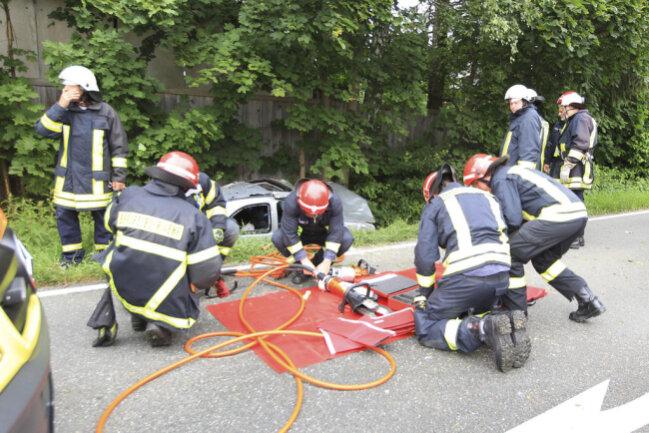 <p>Im Folgenden weitere Bilder vom Unfall...</p>