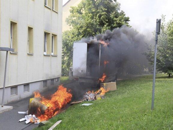 <p>Sechs Feuerwehren waren schnell vor Ort, die Einsatzkräfte löschten das Feuer.</p>
