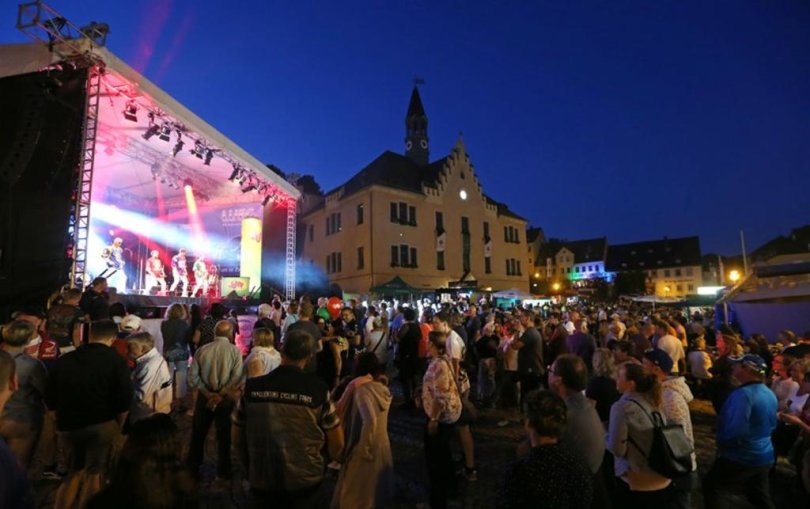 <p>Zwei Tage Party bis nach Mitternacht auf dem Hohenstein-Ernstthaler Altmarkt.</p>