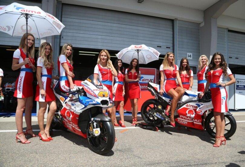 <p>Vor der Alma Ducati Box stehen dieses Wochenende schöne Frauen: die Grid Girls.&nbsp;</p>