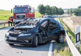 <p>Der 20-jähriger Fahrer eines Skoda hatte offenbar zu spät bemerkt, dass ein Honda vor ihm nach links abbiegen wollte.</p>  <p></p>