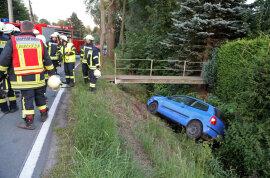 <p>Ersten Informationen zufolge wurde der Fahrer ins Krankenhaus gebracht und die Straße zur Unfallbergung voll gesperrt.</p>