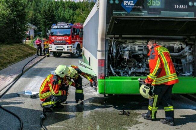 <p>An der Markzs-Semmler-Straße brannte es im Motorraum von eines RVE-Fahrzeugs.</p>