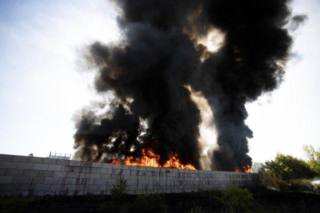 <p>Nachdem die Feuerwehr regelmäßig die Belastung gemessen hatte, konnte am Nachmittag Entwarnung gegeben werden.</p>