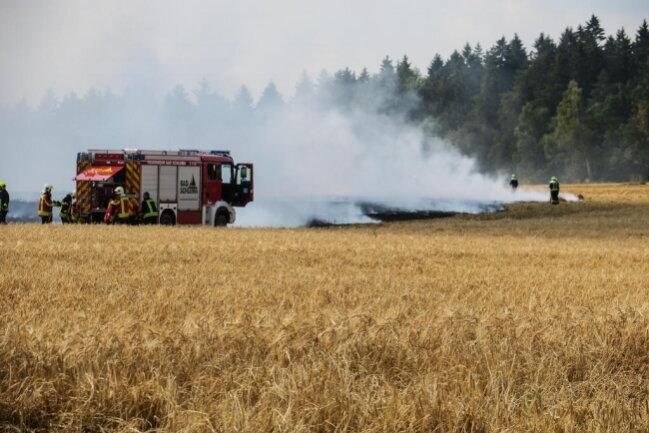 <p>Die Feuerwehren waren mit 13 Fahrzeugen und 43 Einsatzkräften vor Ort.</p>