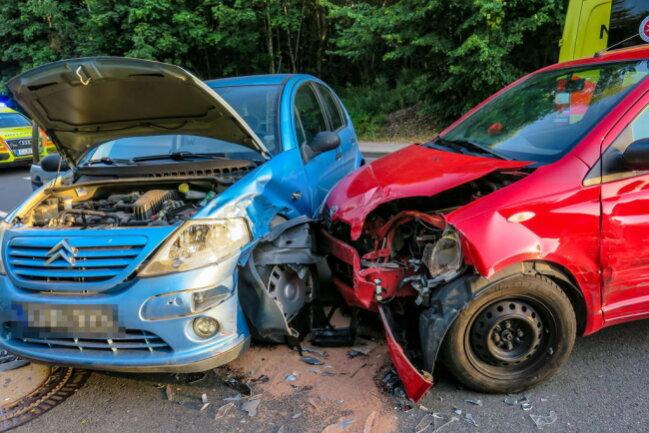 <p>Nach ersten Informationen kollidierten ein Toyota, ein Citroen und ein Skoda.</p>