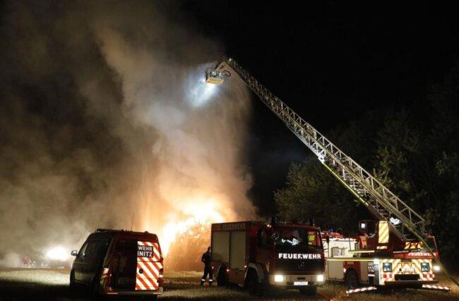 <p>Brandursache und Schadenshöhe sind noch nicht bekannt.</p>