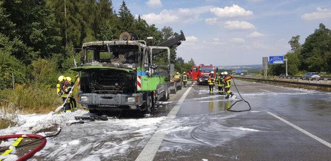<p>Die Autobahn wurde in Richtung Erfurt voll gesperrt.</p>