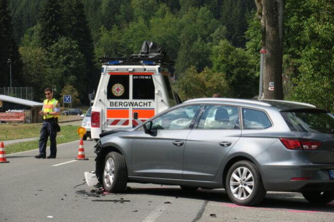<p>Die Feuerwehren aus Eibenstock und Carlsfeld waren mit 16 Einsatzkräften vor Ort.</p>