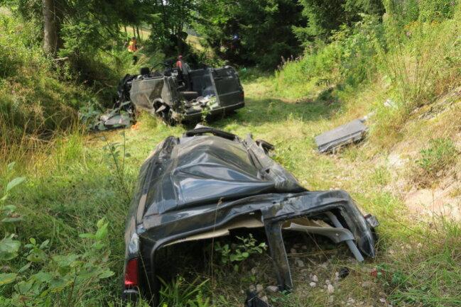 <p>Die Straße musste zwischen Wildenthal und Oberwildenthal in beide Fahrtrichtungen gesperrt werden.</p>