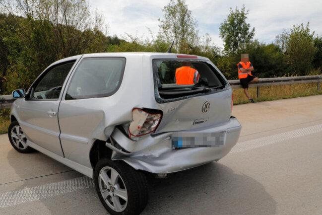 <p>Fünf Minuten zuvor war vor dem Kreuz Chemnitz eine 89-Jährige mit ihrem Opel auf einen VW aufgefahren, der wegen des Staus bremsen musste.</p>