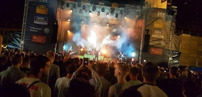 """<p>Als Headliner der Newcomer-Night des """"Alten Gasometers"""" ließ die Metalband Hämatom bereits am Donnerstagabend die Funken sprühen.</p>"""