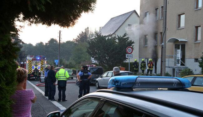 <p>Die beiden Damen konnten durch die Einsatzkräfte unverletzt gerettet werden und wurden vorsorglich in ein Krankenhaus gebracht.</p>