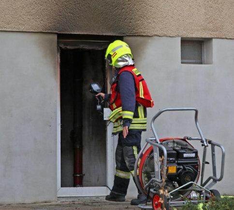 <p>Eine 77-Jährige und eine 91 Jahre alte Frau befanden sich zu diesem Zeitpunkt in dem Gebäude.</p>