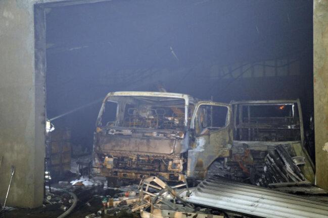 <p>Die Brandursache ist noch unklar. Die Kriminalpolizei ermittelt.</p>