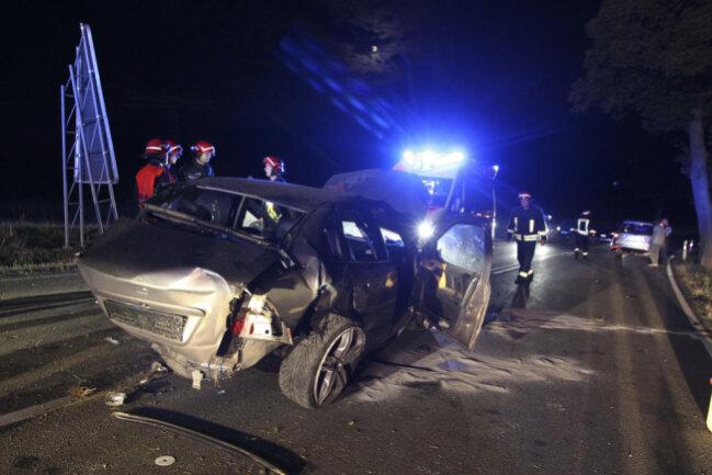 <p>Das Fahrzeug wurde beschlagnahmt. Der Sachschaden beträgt ca. 17.000 Euro.</p>