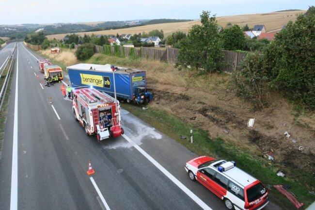 <p>Wegen Unfallaufnahme und Bergung musste die Autobahn ab Zwickau-West für fünf Stundengesperrt werden.</p>