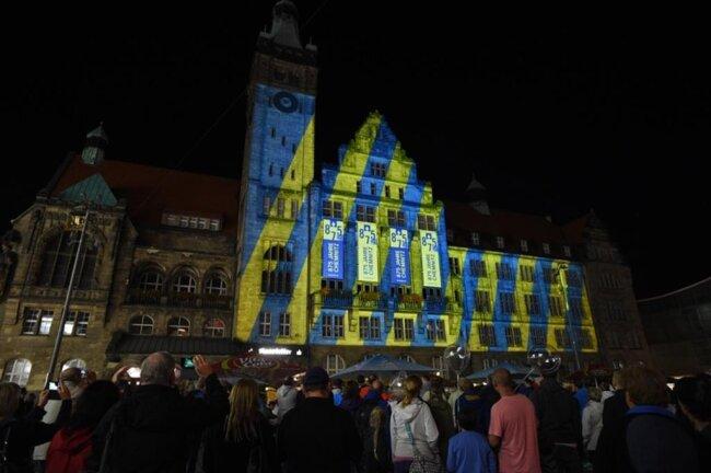 <p>Lichtshow am Rathaus.</p>