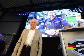 <p>Als erster Deutscher sah der DDR-Bürger Sigmund Jähn vor 40 Jahren die Erde vom All aus.</p>