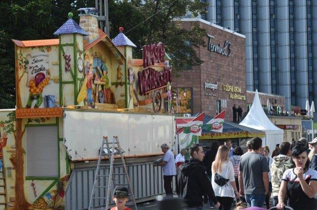 <p>Wer am Nachmittag zum Stadtfest kam, erblickte geschlossene Stände.</p>