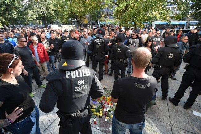 <p>Kurz zuvor war das Stadtfest Chemnitz abgebrochen worden.</p>