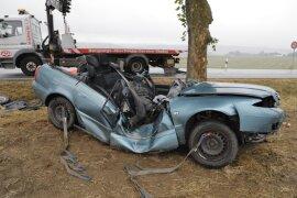 <p>Ein fünfjähriges Kind im Auto wurde schwer verletzt.</p>