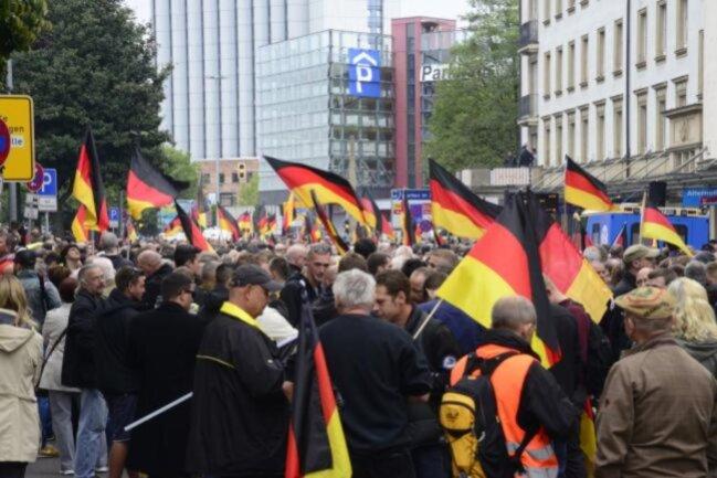 <p>Der AfD-Demonstrationszug...</p>