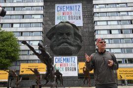 <p>Dies sei als Anspielung auf Politiker wie den Thüringer AfD-Vorsitzenden Björn Höcke gemeint, teilte Opolka (Foto) mit.</p>