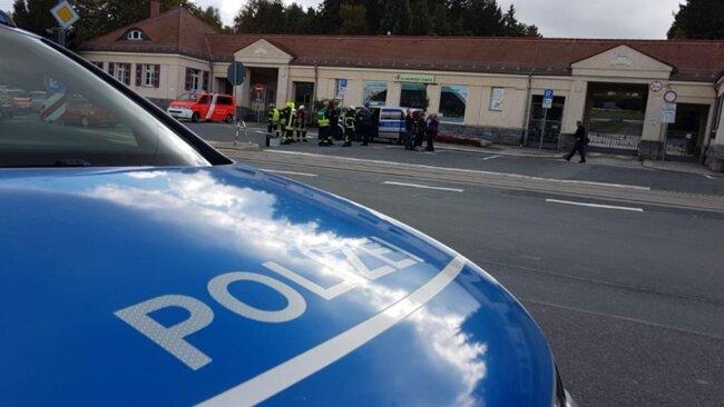 <p>Auch die Polizei, die städtische Berufsfeuerwehr, die Freiwillige Feuerwehr Plauen Stadtmitte und der Rettungszweckverband waren vor Ort.</p>