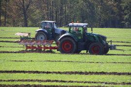 <p>Der Wettbewerb wurde während des Traktor- und Oldtimertreffens der Firma Landtechnik Nürnberger ausgetragen.</p>