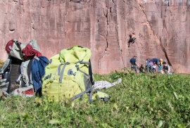<p>Der Sächsische Bergsteigerbund, seit 2016 Pächter der Felsflächen im Gleisberg- und Seidelbruch, hat dafür zahlreiche neue Klebebohrhaken und Löcher in die Wände gebracht.</p>
